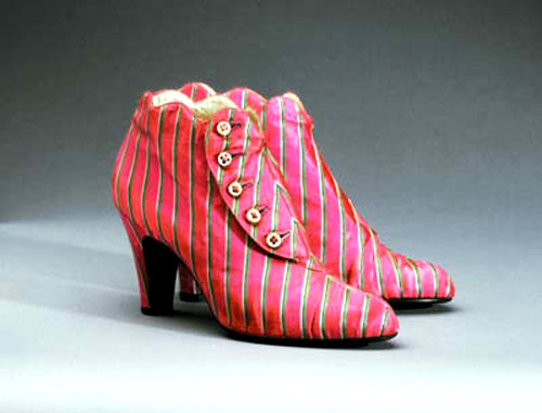 schiaparelli-boots-rosa-shocking